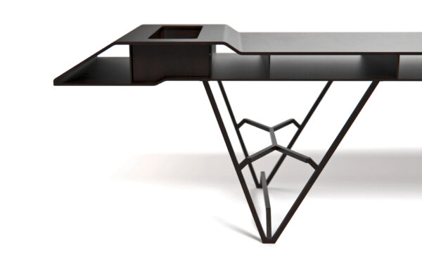 Voladiza bench is great for Outdoors